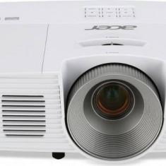 Videoproiector Acer H6517BD