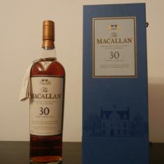 Macallan 30 Years Old - Sherry Oak - Highland Single Malt Scotch Whisky
