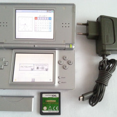 Nintendo DS Lite + joc + incarcator + accesoriu carcasa - original consola - Consola Nintendo