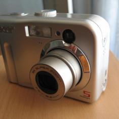 Camera foto ACER 5330 5megapixeli - slot card SD microSD, 5 Mpx, Compacta, 3x-5x, CCD