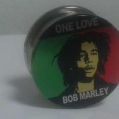 Grinder pentru maruntit tutun Bob Marley tocator tutun metalic