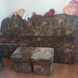 Canapea extensibila+ 2 tabureti stare f.buna