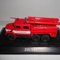 Macheta masina de pompieri ZIL 131 scara 1:72