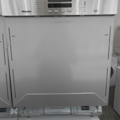 Masina de spalat vase Miele – semi – gri – var. 2, Semi-incorporabil, 12 seturi, 60 cm, Numar programe: 6, A
