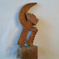 SECERA si CIOCANUL - tema comunista - sculptura ìn lemn