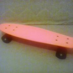 Penny Board - Pennyboard - 22 inch - Deck Portocaliu - Roti Negre - Skateboard