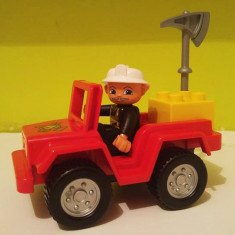 Pompier Lego Duplo 2005 cu masina de pompieri si topor