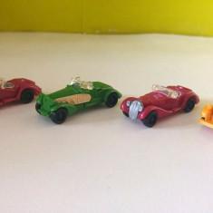 Lot 4 jucarii surpriza ou Kinder, masinute de epoca (3diferite + 1dublura) - Surpriza Kinder