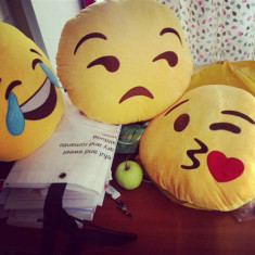 Perna Emoticon - Emoji Pillow - 32 cm !!