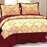 Cuvertura de pat crem cu bordura visinine, cu 2 fete de perna - Cuvertura pat