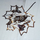 Decoratiune de perete din metal Pasare in frunza