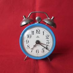 Ceas vechi Aradora cu 4 rubine, ceas de masa desteptator - cu clopotei