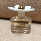 Mini Parfum DAISY by Marc Jacobs (4ml), Apa de toaleta, Mai putin de 10 ml