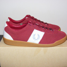 Adidasi Fred Perry Stockport Suede FP'82 Trainers Maroon nr. 41 si 42 - Adidasi barbati Fred Perry, Culoare: Din imagine, Piele intoarsa