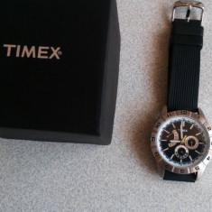 Ceas Timex T2N521 - Ceas barbatesc Timex, Quartz, Otel, Silicon, Diametru carcasa: 44