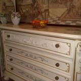 comoda SILIK,stil baroc venetian, lemn masiv ,foita aur, 1/1,5m