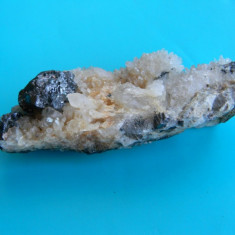 Specimen minerale - blenda si cuart - Fosila roca