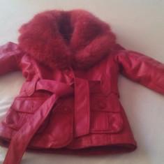 Haina-cojoc rosu din piele ecologica cu blana artificiala interior fete 4-6 ani