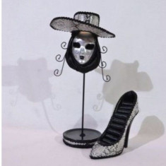 Set 2 suporturi bijuterii - masca si pantof (culoare: gri)