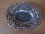 Fructiera ovala filigranata, placata cu argint, marcat MOD-DEP, made in Italy