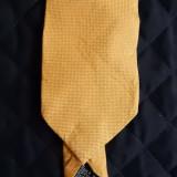 Cravata Hugo Boss Made in Italy; 145 cm lungime, 9 cm latime maxima; ca noua
