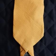 Cravata Hugo Boss Made in Italy; 145 cm lungime, 9 cm latime maxima; ca noua, Culoare: Din imagine