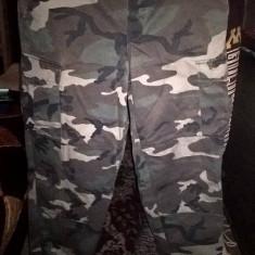 Pantaloni woodland - Imbracaminte Vanatoare, Marime: XL