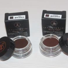 Eyeliner gel pt sprancene Anastasia Dipbrow Pomade Nuanta Chocolate sau Ebony - Tus ochi