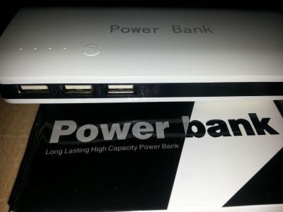 baterie externa 20000 mAh 3 usb foto