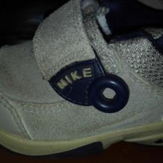 Adidasi copii Nike, Marime: 21, Culoare: Crem