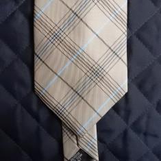 Cravata George; 100% poliester; 145 cm lungime, 10 cm latime maxima, Culoare: Din imagine