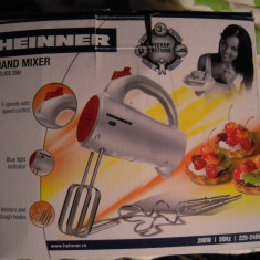 Mixer de mana Heinner, 200 W, 5 Viteze, Rosu/Alb - Mixer Bucatarie Heinner, Numar viteze: 5