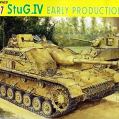 + Macheta 1/35 Dragon 6520 Smart Kit - StuG IV Early Production +