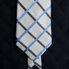Cravata George Collection; 100% matase; 143 cm lungime, 10 cm latime maxima, Culoare: Din imagine