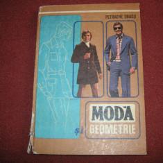 Moda si geometrie ~ Petrache Dragu - Carte design vestimentar