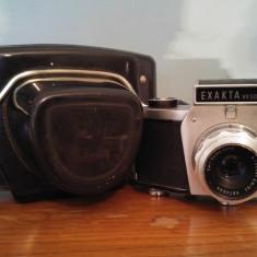 Aparat foto vintage pe film Exakta VX500 obiectiv Carl Zeiss Jena Tessar 2.8/50