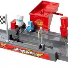 Pista Lansator Cupa Piston Pit Stop Story Set Cars - Masinuta Mattel