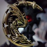 Pandantiv bronz Dragon visând pe lună - Pandantiv fashion