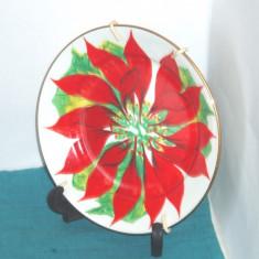Farfurie ceramica, pictata manual - Poinsettia - semnata D. Estevez Tenerife
