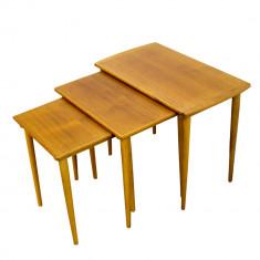 Set 3 masute tip gigogne (nasting tables), Norvegia, anii '60 - Set mobila living