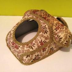Carcasa protectie si decor pentru telefon vechi, vintage, deosebita