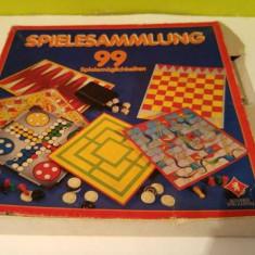 Joc vechi, german, cu pioni si zaruri, 3 table cu cate 2 fete de joc diferite