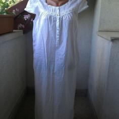 CAMASA DE NOAPTE DELICATA SI FEMININA BUMBAC CU BRODERIE APLICATA MARIME 40/12, Culoare: Alb