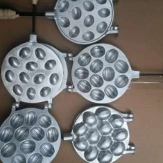 Forma de nuci cu 12 orificii din aluminiu - Forma prajitura