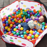Set 100 bile din plastic multicolore pentru copii - Jucarie interactiva