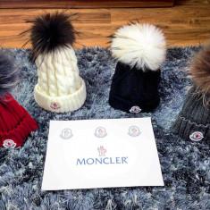 Caciula/fes Moncler cu mot/ciucur din blana naturala model NOU FEBRUARIE 2017!!! - Fes Barbati, Marime: Marime universala, Culoare: Negru