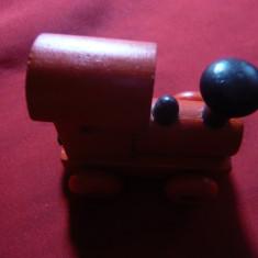 Locomotiva din lemn cu tampon magnetic , L= 6,5 cm distanta intre roti =3,5 cm, Locomotive