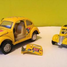 Lot 2 masinute fier Volkswagen Beetle Bel 881 + Hot Wheels Pass'n Gasser - Macheta auto