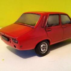 Masinuta fier Macheta Dacia 1300 rosie scara 1/43 - Macheta auto Alta
