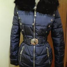 Geacă fabuloasa originală bleumarin cu blană NEAGRĂ, glugă, centură - Geaca dama, Marime: S, Culoare: Din imagine